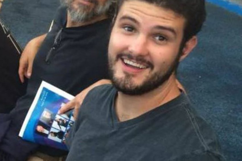 Συγκλονίζει ο πατέρας του 27χρονου ομογενή που έπεσε νεκρός από τα πυρά του μακελάρη στην Καλιφόρνια