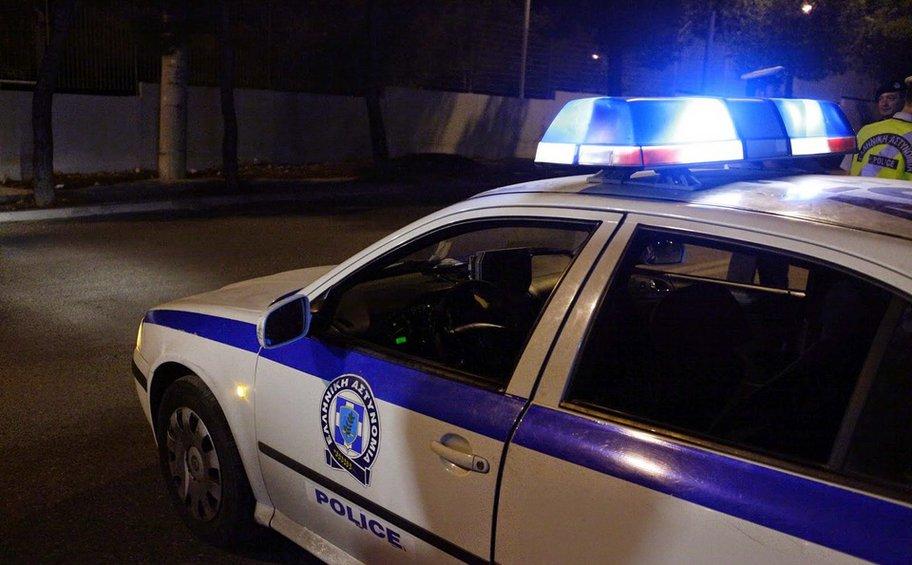 Θεσσαλονίκη: Πυροβόλησαν αστυνομικούς και εμβόλισαν περιπολικό