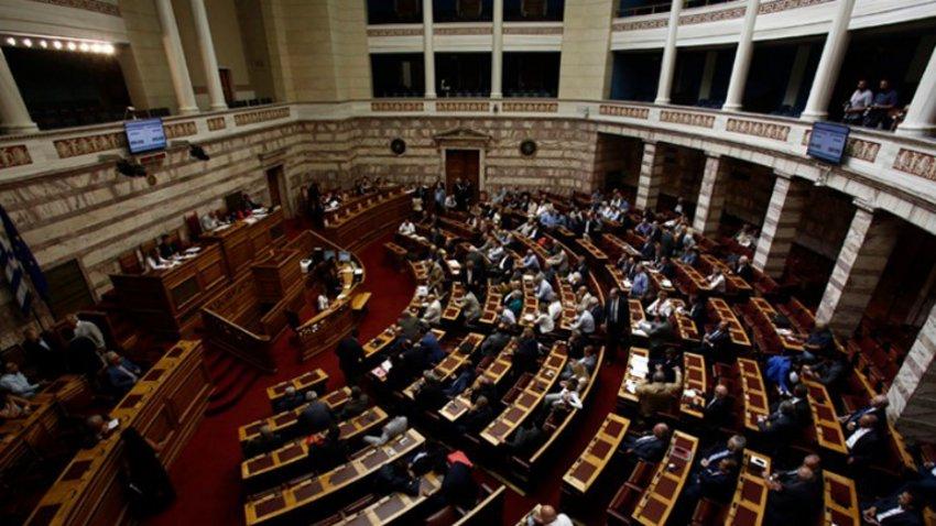 Το βράδυ της Τετάρτης κρίνεται το μέλλον της κυβέρνησης - Πρόσωπα «κλειδιά» Κουντουρά, Κόκκαλης και Δανέλλης