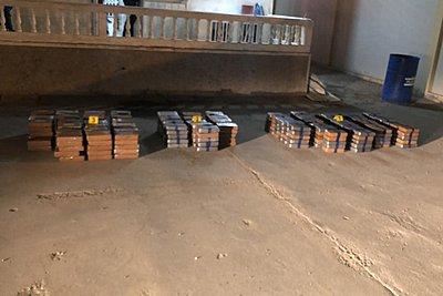 ΕΛΑΣ για την εξάρθρωση κυκλώματος κοκαΐνης: 80.000 δολ. η αξία του κάθε κιλού από τα 382 που κατασχέθηκαν