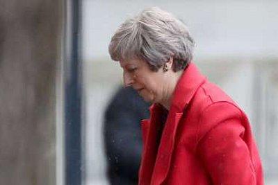 Θρίλερ στη Βρετανία – Σχέδιο ανατροπής της Μέι από βουλευτές του κόμματός της σύμφωνα με το BBC