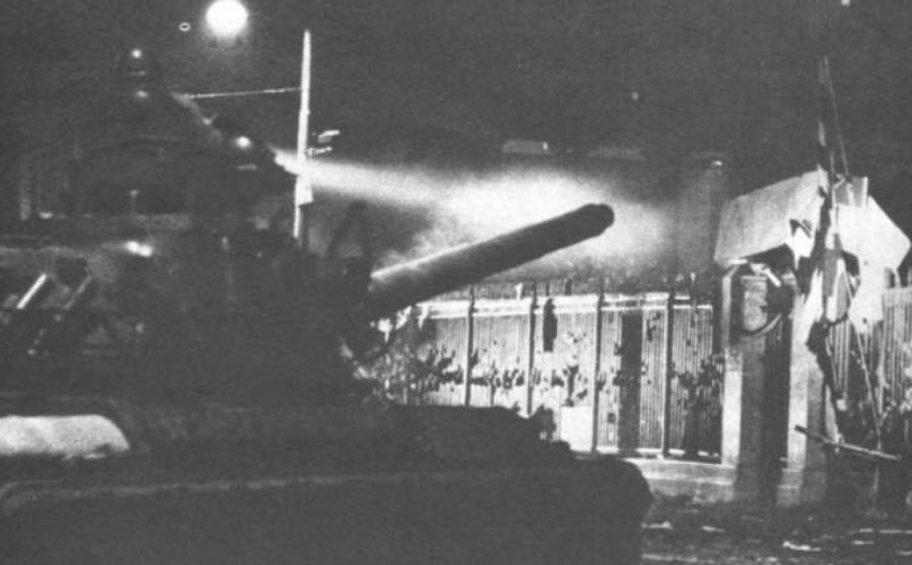 Το Πολυτεχνείο στις σελίδες του ξένου Τύπου τον Νοέμβριο του 1973: Η χούντα έβγαλε το βελούδινο γάντι της