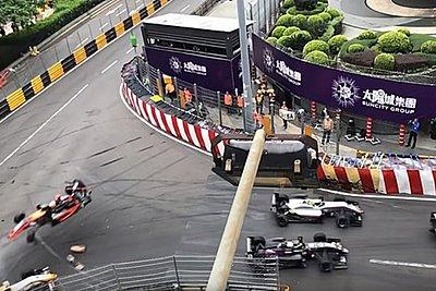 Νέο σοκαριστικό βίντεο από το ατύχημα στη Formula 3 - Καρέ καρέ πώς «εκτοξεύτηκε» το μονοθέσιο