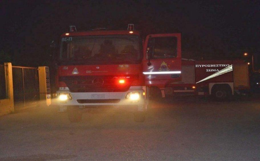 Πυρκαγιά σε βιοτεχνία επίπλων στον Κορυδαλλό
