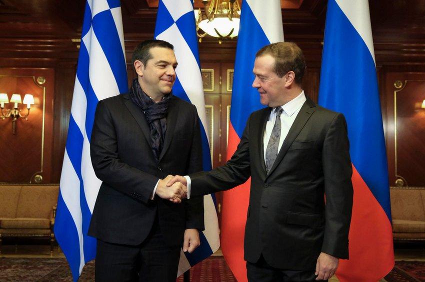 Η συνάντηση Τσίπρα - Μεντβέντεφ