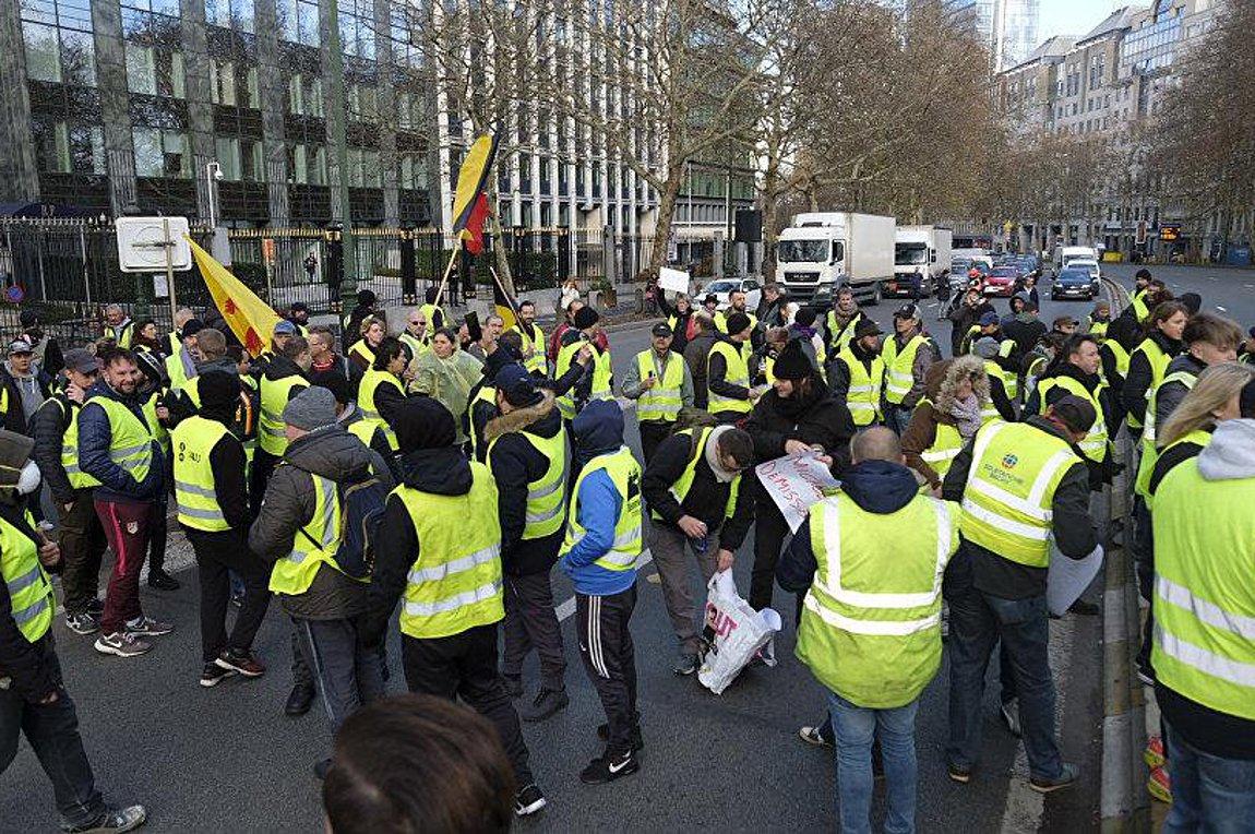 Επέτειος με διαδηλώσεις για τα «Κίτρινα Γιλέκα»