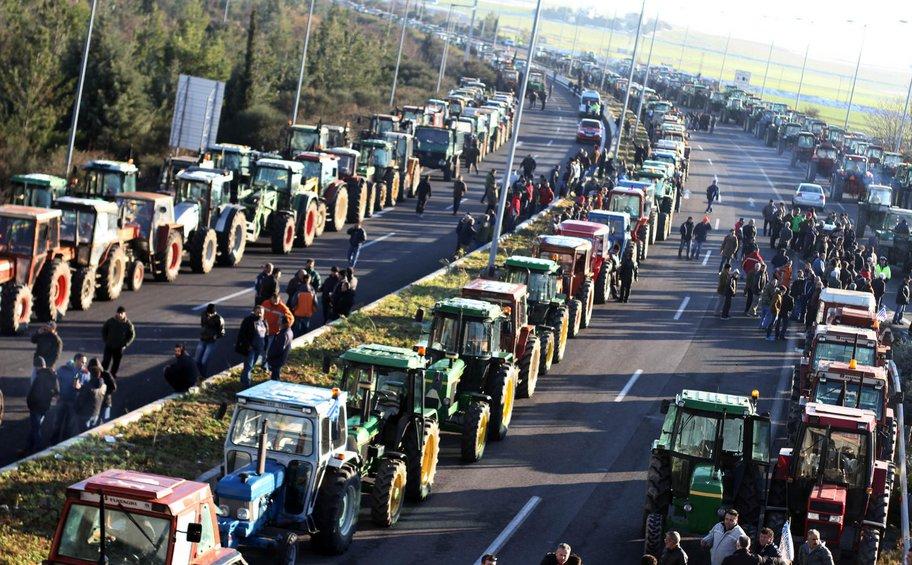Ετοιμοι οι αγρότες της Λάρισας να βγάλουν τα τρακτέρ στους δρόμους πριν τις γιορτές