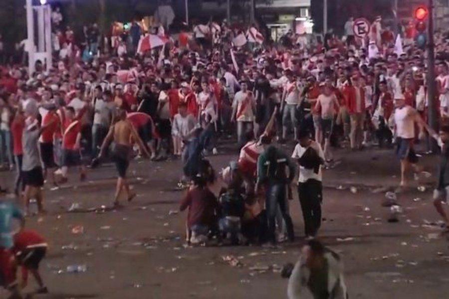 Χάος στο Μπουένος Αϊρες – Επεισόδια από οπαδούς της Ρίβερ Πλέιτ