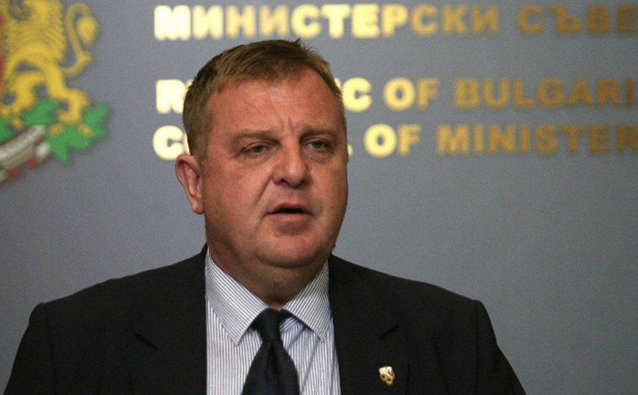 Μήνυμα του Βούλγαρου υπ. Αμυνας στον Ζάεφ: Σταμάτα να μιλάς για μακεδονική γλώσσα, θα θέσω βέτο για ΝΑΤΟ και ΕΕ