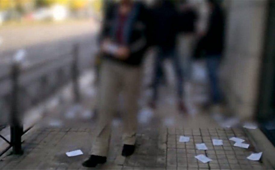 Βίντεο από την παρέμβαση του Ρουβίκωνα με τρικάκια στην πρεσβεία της Ουγγαρίας - 13 προσαγωγές