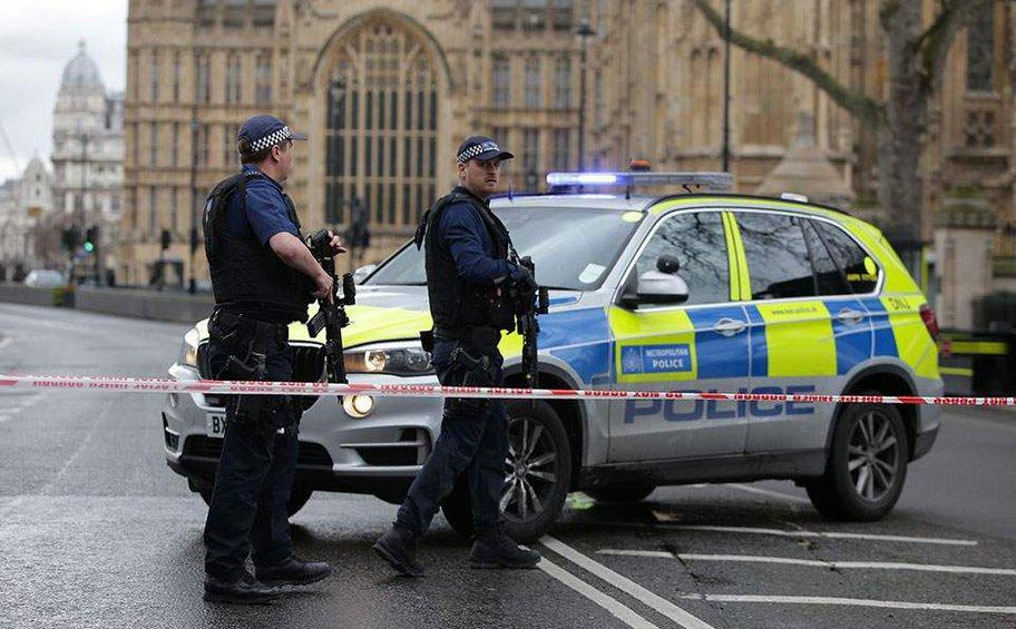 Επεισόδιο μπροστά από το βρετανικό κοινοβούλιο: Συνελήφθη ύποπτος άνδρας