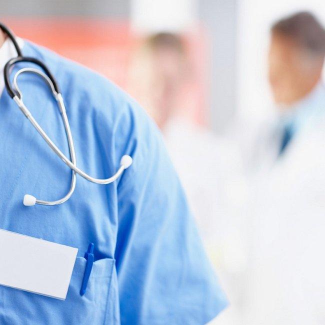 Ελευθερία επιλογής οικογενειακού γιατρού και οικονομικά κίνητρα για συμβάσεις με τον ΕΟΠΥΥ, ζητούν οι γενικοί γιατροί