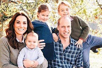 Βρετανία: Οι χριστουγεννιάτικες κάρτες της βασιλικής οικογένειας