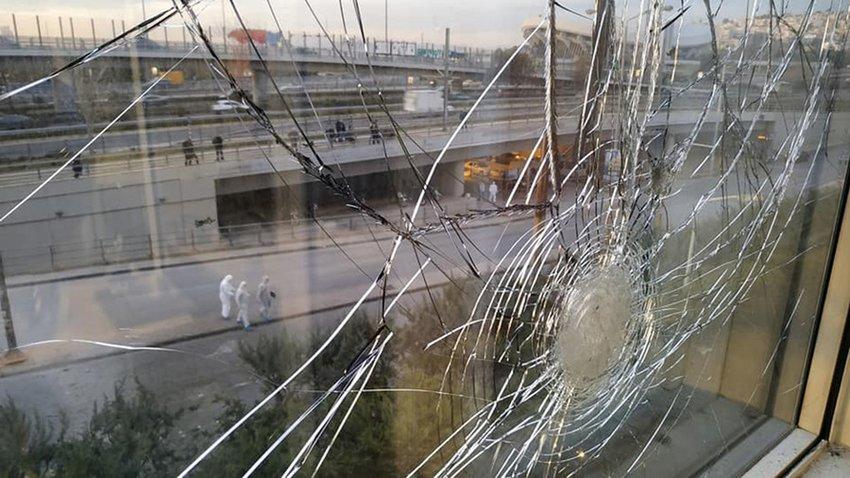 Ομόθυμη καταδίκη από τον πολιτικό κόσμο για τη βομβιστική επίθεση στον ΣΚΑΪ – Οι δηλώσεις Τσίπρα, Μητσοτάκη