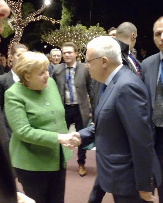 Χαιρετισμός κου Σ. Διβάνη με την καγκελάριο της Ομοσπονδιακής Δημοκρατίας της Γερμανίας, Άνγκελα Μέρκελ στο Divani Apollon Palace & Thalasso