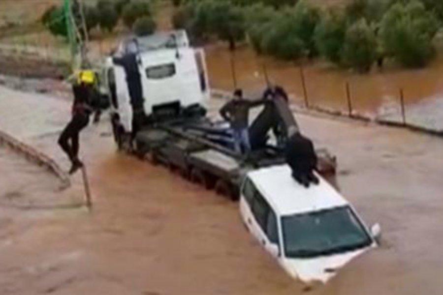 Ισραήλ: Δραματική επιχείρηση διάσωσης παιδιών από τις λάσπες