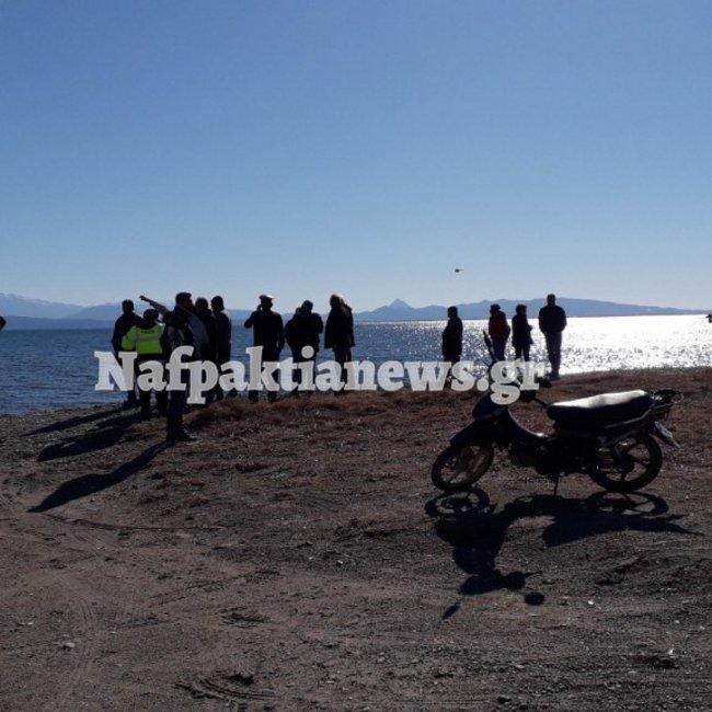 Δύτες αναζητούν το διθέσιο αεροπλάνο που έπεσε στο Μεσολόγγι - Εντοπίστηκαν καύσιμα