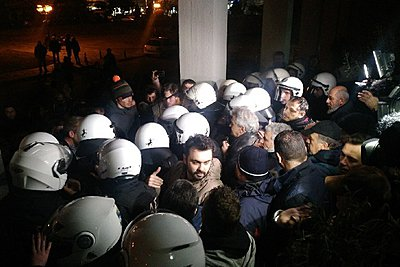 Ένταση σε εκδήλωση του ΣΥΡΙΖΑ στον Βόλο με ομιλητή τον Πάνο Σκουρλέτη