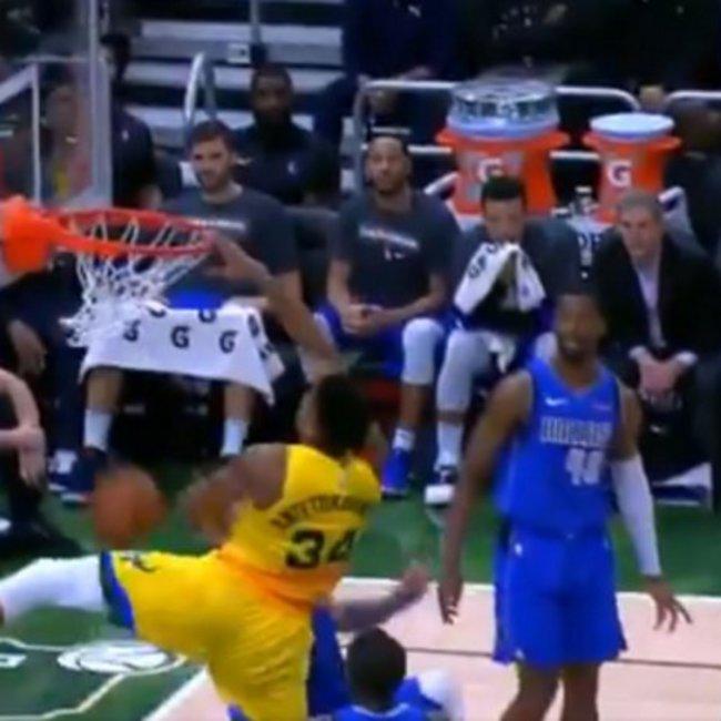 NBA: Ο Ντόντσιτς είναι ωραίος, αλλά ο Γιάννης είναι... αλλιώς! - To φοβερό κάρφωμα του Αντετοκούνμπο