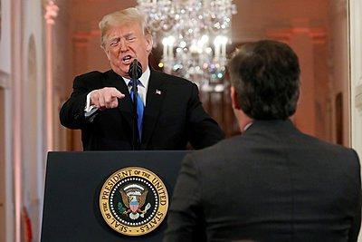 Τραμπ: «Ανέντιμη η πλειοψηφία των δημοσιογράφων» - Τέλος στο briefing από την εκπρόσωπό του Σάρα Σάντερς