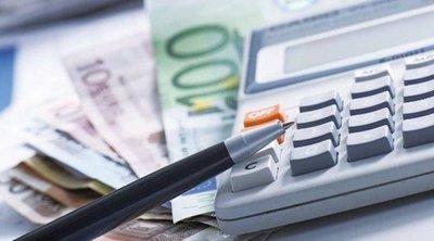 Του πήρε 7.500 ευρώ για να «ρυθμίσει» τα χρέη του στην Εφορία και έγινε... καπνός