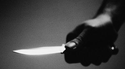 Σκότωσε τη μητέρα του, την τεμάχισε και την φύλαξε σε πλαστικά φαγητοδοχεία