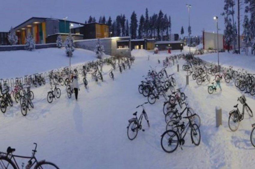 Η πόλη που τα παιδιά πάνε σχολείο με ποδήλατο ακόμη και με -17°C