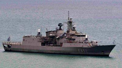 Η Φρεγάτα «Ύδρα» και το αρματαγωγό «Λέσβος» του Πολεμικού Ναυτικού στο Ναύπλιο
