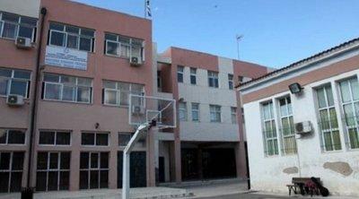 Τρεις νεαροί προσπάθησαν να κλέψουν αλεξικέραυνο από δημοτικό σχολείο στην Πάτρα