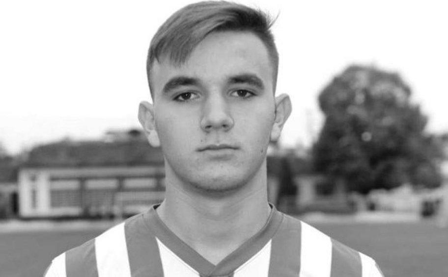 Τραγωδία: Πέθανε 17χρονος ποδοσφαιριστής της ΑΕ Χαρίεσσας Ημαθίας μέσα στο γήπεδο