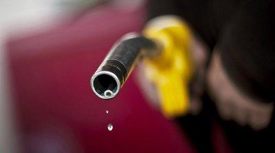 «Κινητά βενζινάδικα» στην Αίγυπτο για ανεφοδιασμό των αυτοκινήτων κατ' οίκον ή όπου αλλού βρίσκονται