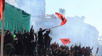 DW: Πρόωρες εκλογές στην Αλβανία;