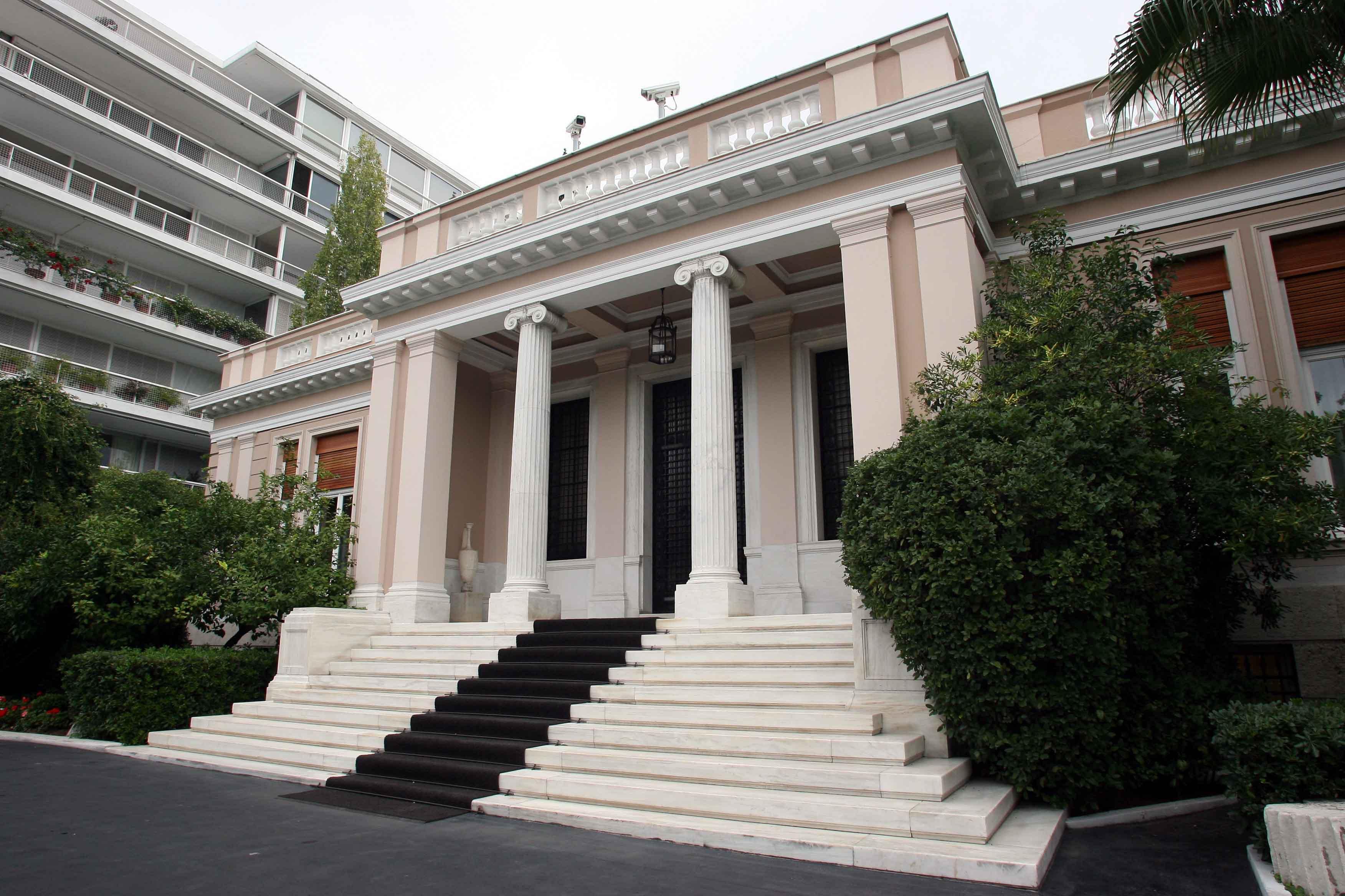 Μαξίμου για ΝΔ: «Μπροστινός» του κ. Μαρινάκη ο κ. Μητσοτάκης