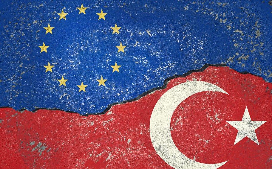 Η Κομισιόν επιβεβαίωσε επίσημα ότι παρουσίασε επιλογές μέτρων για την Τουρκία