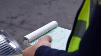 «Εκστρατεία» της τροχαίας για σταθμεύσεις που εμποδίζουν πεζούς - 114 παραβάσεις σε Σταδίου και Πανεπιστημίου