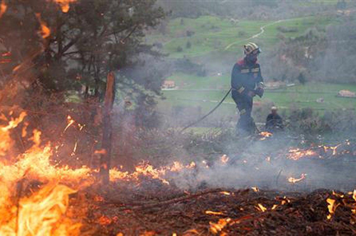 Κόλαση φωτιάς στην Ισπανία - Μαίνονται οι πυρκαγιές