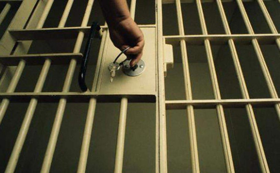 Εκτός φυλακής ο δραπέτης τραγουδιστής - Τι είπε στον ΑΝΤ1