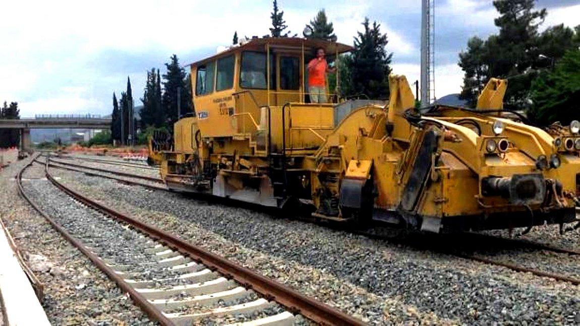 Ολοκληρώθηκε το στρώσιμο των γραμμών από το Αίγιο μέχρι Κιάτο  - Τρεις νέοι σταθμοί στο νέο τμήμα