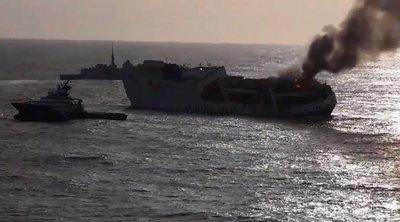 Βυθίστηκε πλοίο γεμάτο με Porsche και Audi κοντά στην Βρέστη της Γαλλίας