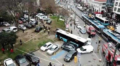 Λεωφορείο μπήκε σε πεζόδρομο στην Κωνσταντινούπολη - Τρεις τραυματίες