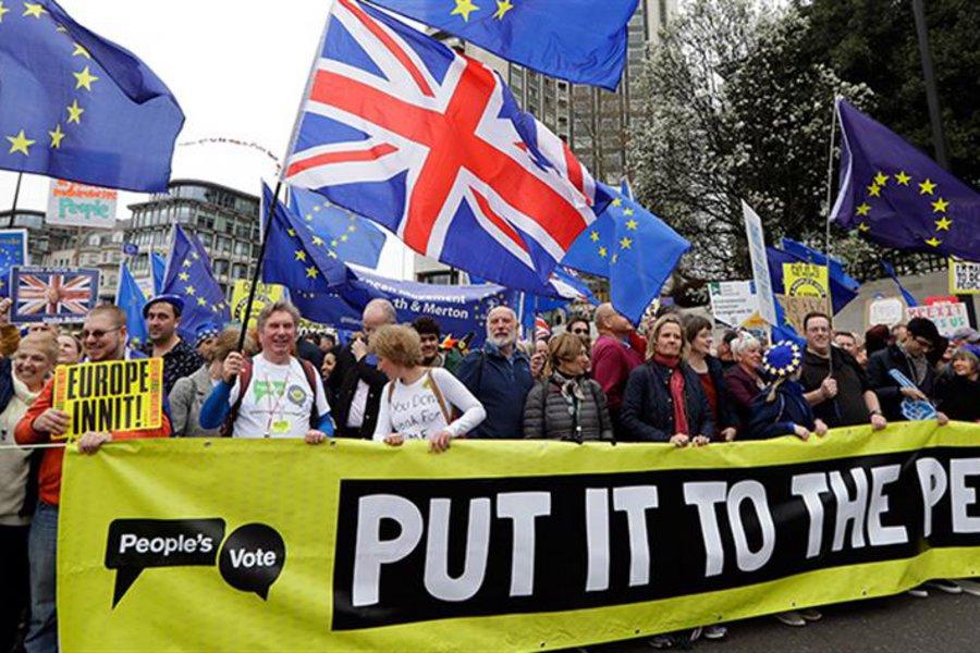 Μεγάλη διαδήλωση κατά του Brexit στο Λονδίνο - Υπό πίεση η Μέι