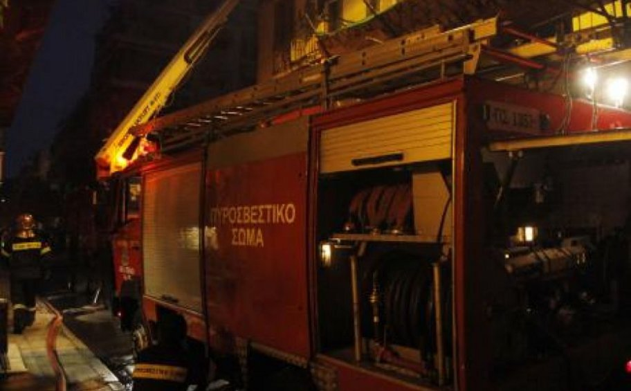 Φωτιά σε μονοκατοικία στη Θέρμη Θεσσαλονίκης