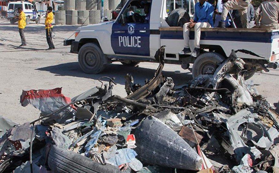 Καμικάζι προκάλεσαν μακελειό στη Σομαλία - Επίθεση σε κυβερνητικό κτίριο