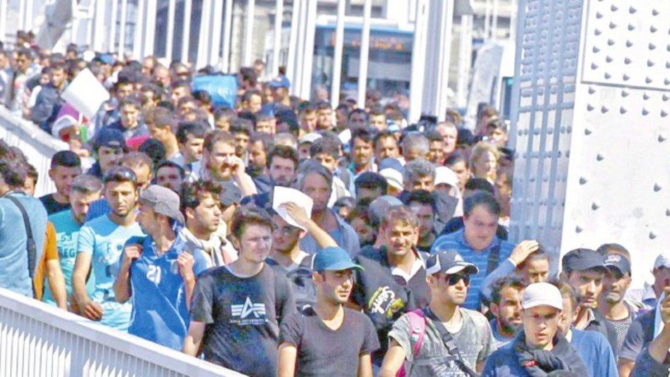 Υποπτες κινήσεις από ΜΚΟ στην Τουρκία που κατευθύνει προς τον Εβρο 40.000 πρόσφυγες