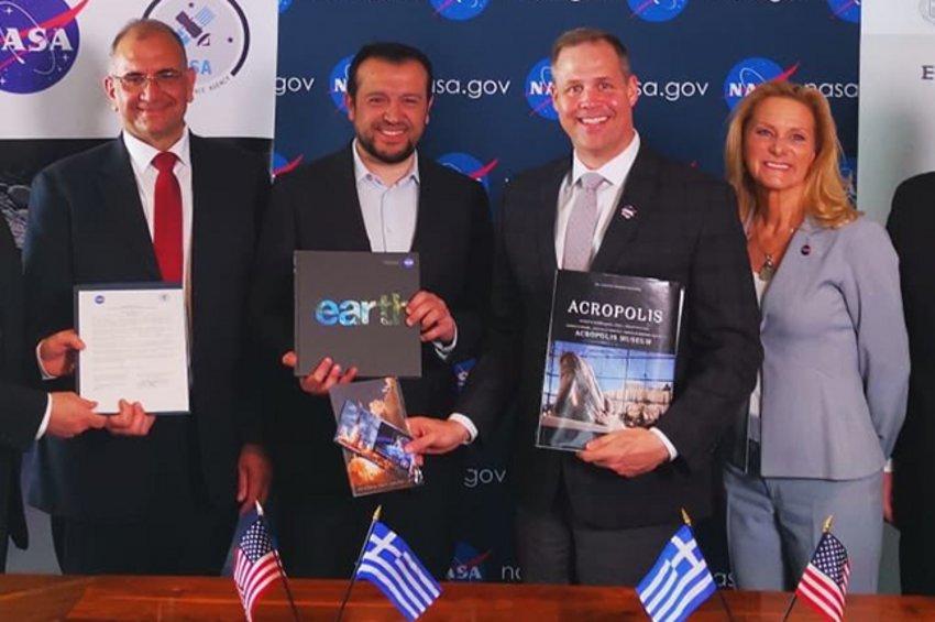 Παππάς: H Ελλάδα θα πατήσει στη Σελήνη με δικό της όχημα