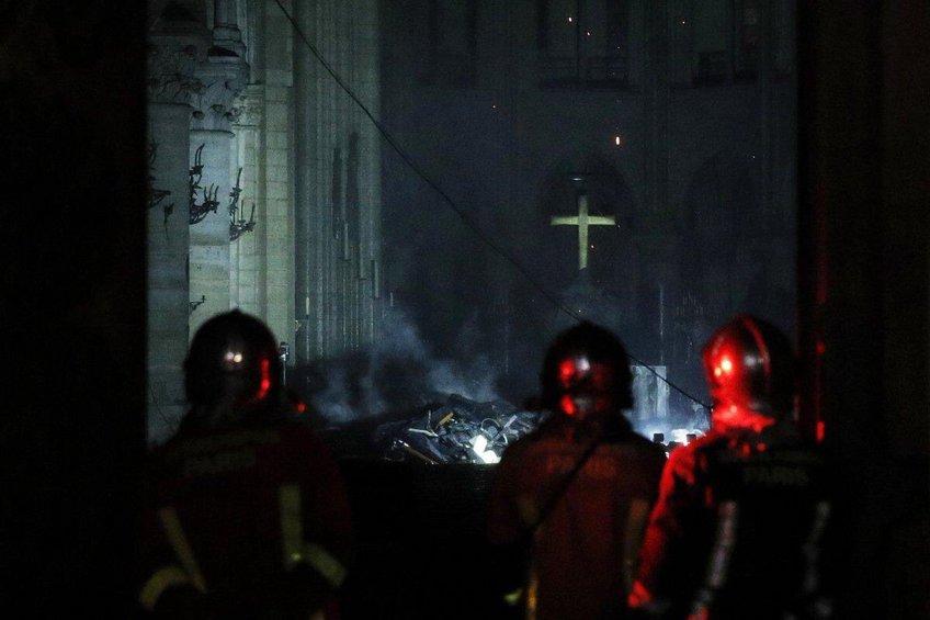 Παγκόσμια θλίψη για την καταστροφή της Παναγίας των Παρισίων