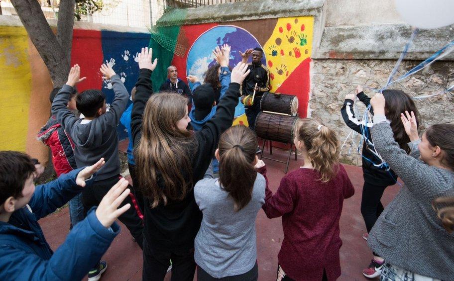 Τα παιδικά χωριά SOS εγκαινίασαν στην Αθήνα το κέντρο μαθησιακής και παιδαγωγικής υποστήριξης για παιδιά ευάλωτων οικογενειών