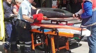Απίστευτο τροχαίο στην Πάτρα: Συνεπιβάτιδα μηχανής κατέληξε στον ουρανό αυτοκινήτου