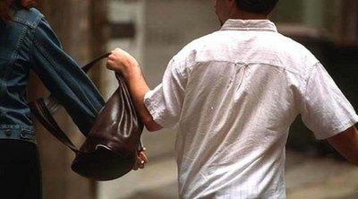 Κλειτορία: Άνδρας άρπαξε τσάντα που περιείχε 2.500 ευρώ