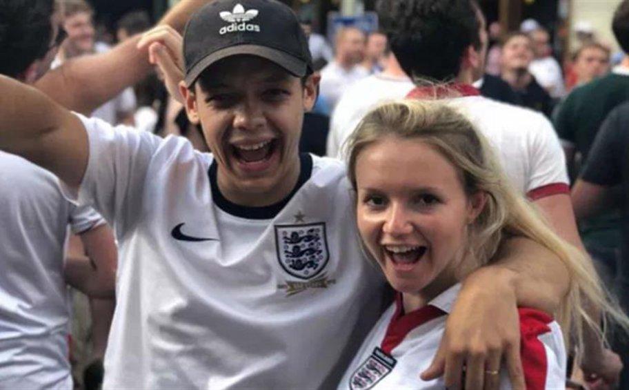 Αυτό είναι το ζευγάρι των Βρετανών τουριστών που σκοτώθηκε όταν έπεσε σε γκρεμό στη Σαντορίνη